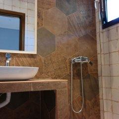 Отель Gyalos Beach Front Aparthotel Греция, Ситония - отзывы, цены и фото номеров - забронировать отель Gyalos Beach Front Aparthotel онлайн ванная фото 2