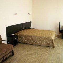 Отель Serenity сейф в номере