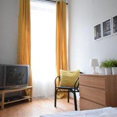 Апартаменты Hi5 Apartments - Chain Bridge комната для гостей фото 3