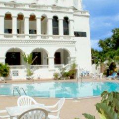 Отель Grand Sole Pattaya Beach Hotel Таиланд, Паттайя - отзывы, цены и фото номеров - забронировать отель Grand Sole Pattaya Beach Hotel онлайн бассейн фото 3