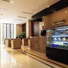 Donghua University Hotel питание