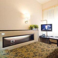 Отель Ariston Hotel Италия, Милан - 5 отзывов об отеле, цены и фото номеров - забронировать отель Ariston Hotel онлайн сейф в номере