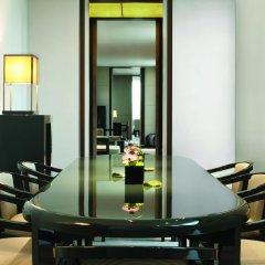 Отель Armani Hotel Milano Италия, Милан - 2 отзыва об отеле, цены и фото номеров - забронировать отель Armani Hotel Milano онлайн фитнесс-зал фото 3