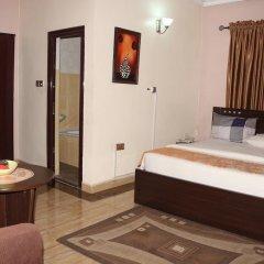 Отель Albert Suites сейф в номере