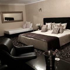 Отель Атлантик сейф в номере