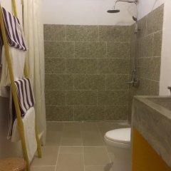 Отель An Bang Sunrise Beach Bungalow ванная фото 2