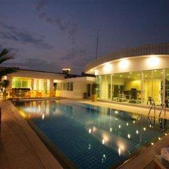 Отель The Tivoli Бангкок бассейн