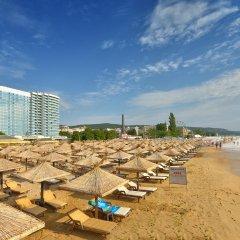 Отель INTERNATIONAL Hotel Casino & Tower Suites Болгария, Золотые пески - 2 отзыва об отеле, цены и фото номеров - забронировать отель INTERNATIONAL Hotel Casino & Tower Suites онлайн пляж фото 2