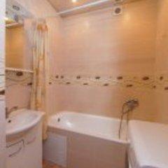 Гостиница Kvartira Posutochno Na Mendeleeva 112 в Уфе отзывы, цены и фото номеров - забронировать гостиницу Kvartira Posutochno Na Mendeleeva 112 онлайн Уфа ванная