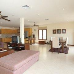 Апартаменты Baan Puri Apartments комната для гостей фото 4