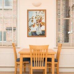 Отель Veeve - Rosey Rosslyn Flat комната для гостей фото 5