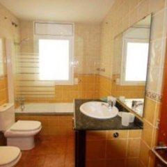 Отель Villa Cristina - INH 27248 Льорет-де-Мар ванная