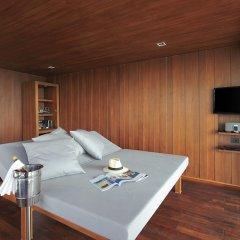 Отель The Villas by Silavadee Pool Spa Resort сейф в номере