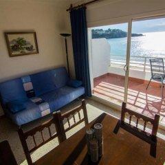 Отель Almadraba Platja 3000 Apts Курорт Росес комната для гостей фото 3