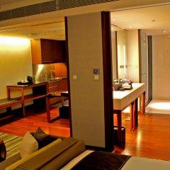 Отель Hansar Bangkok в номере фото 2