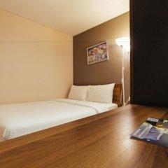 Отель Roomme Hospitality Nang Linchee Branch Бангкок сейф в номере
