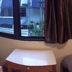 Отель Miku Guesthouse Бангкок комната для гостей фото 4