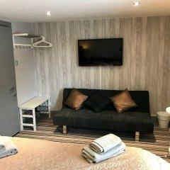 Апартаменты Ei8ht Brighton Apartments - Guest house комната для гостей фото 4