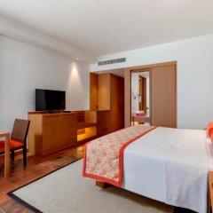 Отель Outrigger Laguna Phuket Beach Resort Таиланд, Пхукет - 8 отзывов об отеле, цены и фото номеров - забронировать отель Outrigger Laguna Phuket Beach Resort онлайн сейф в номере