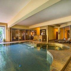 Отель Art & Spa бассейн