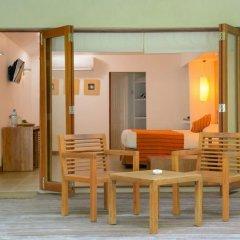 Отель Adaaran Select Hudhuranfushi Остров Гасфинолу в номере фото 2