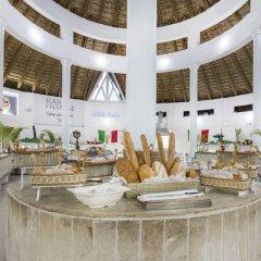 Отель Be Live Experience Hamaca Beach - All Inclusive Доминикана, Бока Чика - 1 отзыв об отеле, цены и фото номеров - забронировать отель Be Live Experience Hamaca Beach - All Inclusive онлайн интерьер отеля фото 2