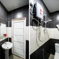 Отель Oyo 191 Ml Inn Hotel Малайзия, Куала-Лумпур - отзывы, цены и фото номеров - забронировать отель Oyo 191 Ml Inn Hotel онлайн ванная фото 2