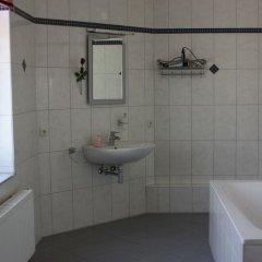 Отель Villa De Baron Германия, Дрезден - отзывы, цены и фото номеров - забронировать отель Villa De Baron онлайн ванная фото 2