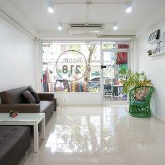 Отель Room 218 - Dorm For Rent - Adults Only Бангкок интерьер отеля фото 2