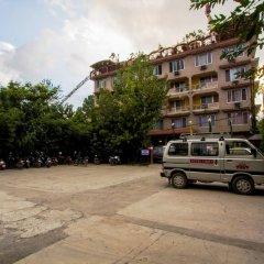 Отель Tibet Непал, Катманду - отзывы, цены и фото номеров - забронировать отель Tibet онлайн парковка