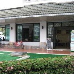 Отель Komol Residence Bangkok Бангкок спортивное сооружение