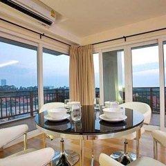 Апартаменты Emerald Palace Serviced Apartment Паттайя в номере фото 2