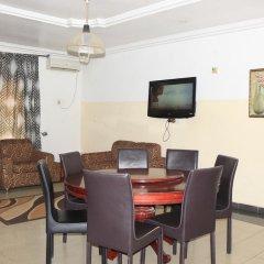 Отель Esre Blues Hotel Нигерия, Калабар - отзывы, цены и фото номеров - забронировать отель Esre Blues Hotel онлайн комната для гостей фото 4