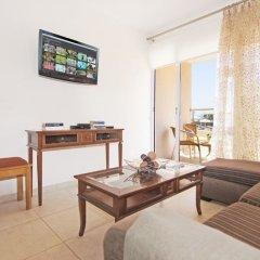 Отель Bay View Apartment Кипр, Протарас - отзывы, цены и фото номеров - забронировать отель Bay View Apartment онлайн комната для гостей фото 2