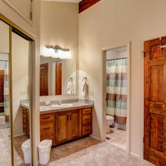 Отель 1475 Park Avenue Private Home By Alpine Ski Properties ванная