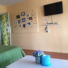 Отель Insook Ko Larn Guesthouse комната для гостей фото 4