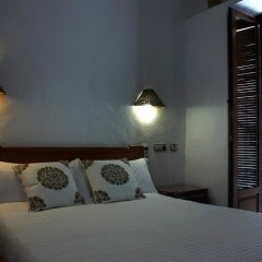 Отель Hostal Extramuros Испания, Кониль-де-ла-Фронтера - отзывы, цены и фото номеров - забронировать отель Hostal Extramuros онлайн комната для гостей фото 3