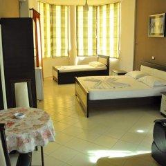 Отель Villa Qendra Албания, Ксамил - отзывы, цены и фото номеров - забронировать отель Villa Qendra онлайн комната для гостей фото 5