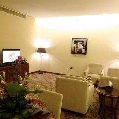 Отель Al Hamra Palace By Warwick удобства в номере
