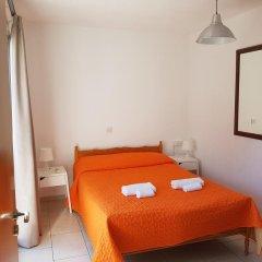 Отель Valentinos Court комната для гостей фото 2
