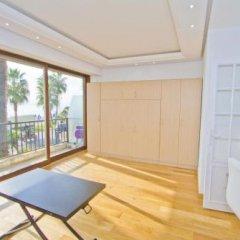 Апартаменты Cariatides Studio Promenade Holiday фитнесс-зал