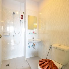 Отель Two Color Patong ванная