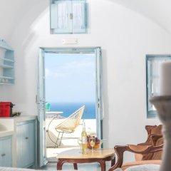 kastro oia houses santorini island greece zenhotels rh zenhotels com