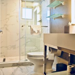 Отель Churchill Hotel Near Embassy Row США, Вашингтон - отзывы, цены и фото номеров - забронировать отель Churchill Hotel Near Embassy Row онлайн ванная фото 2