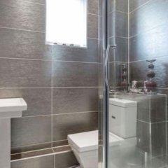 Отель 16 Maybury House Эдинбург ванная