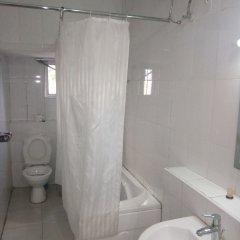 Отель Top Rank Hotel Galaxy Enugu Нигерия, Энугу - отзывы, цены и фото номеров - забронировать отель Top Rank Hotel Galaxy Enugu онлайн ванная