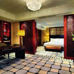 Отель Sofitel Shanghai Hyland Китай, Шанхай - отзывы, цены и фото номеров - забронировать отель Sofitel Shanghai Hyland онлайн сейф в номере