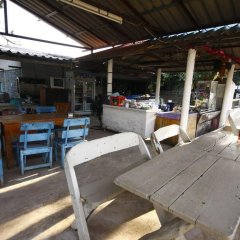 Отель Baan Plasai Koh Larn питание