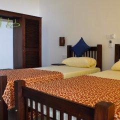 Отель Sunils Beach Hotel Colombo Шри-Ланка, Хиккадува - отзывы, цены и фото номеров - забронировать отель Sunils Beach Hotel Colombo онлайн сейф в номере