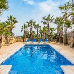 Отель Villa Veduta Мальта, Айнсилем - отзывы, цены и фото номеров - забронировать отель Villa Veduta онлайн бассейн фото 2